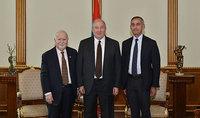Նախագահ Արմեն Սարգսյանը հյուրընկալել է Վարդան Գրեգորյանին և Արա Դարզիին