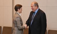 Հայ-սերբական զարգացող հարաբերություններ․ Հայաստանի նախագահ Արմեն Սարգսյանը հանդիպել է Սերբիայի վարչապետ Անա Բռնաբիչի հետ