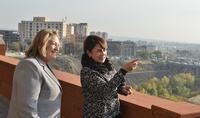Госпожа Нунэ Саркисян и госпожа Власия Павлопулу посетили фонд «Ереван, моя любовь»