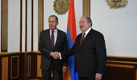 Դաշնակցային հարաբերություններ ու ռազմավարական գործընկերություն բոլոր ոլորտներում. նախագահ Արմեն Սարգսյանը հյուրընկալել է ՌԴ ԱԳ նախարար Սերգեյ Լավրովին