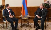 Президент Саркисян принял независимого депутата НС Армана Бабаджаняна