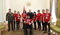 Շնորհակալ եմ ձեր ոգու ուժի համար. նախագահ Սարգսյանը հյուրընկալել է ՀՀ հաշմանդամային սպորտի ֆեդերացիայի անդամներին