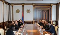 Президент Саркисян встретился с представителями фракции «Мой шаг» Национального Собрания
