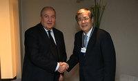 Նախագահ Սարգսյանը Դավոսում հանդիպել է Mitsubishi Heavy Industries ընկերության խորհրդի նախագահ Շունիչի Միանագայի հետ