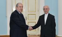 Լավ հարևաններ, միմյանց թիկունք դժվար պահերին. Հանրապետության նախագահ Արմեն Սարգսյանին հավատարմագրերն է հանձնել Հայաստանում Իրանի նորանշանակ դեսպանը