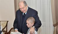 Ты не один в мире, нужно вытерпеть и быть сильным – Президент Республики Армен Саркисян принял 10-летнего Ромика Аршакяна