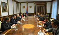 Նախագահ Արմեն Սարգսյանն ընդունել է Հայաստանում Ամերիկայի առևտրի պալատի տնօրենների խորհրդի անդամներին