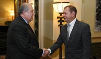 Президент Армен Саркисян встретился с руководством авиакомпании Israir Airlines