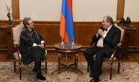 Президент Саркисян встретился с руководителем представительства ЕС в Армении, послом Андреой Викторин