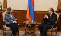 Նախագահ Արմեն Սարգսյանը հանդիպել է Հայաստանում ԱՄՆ դեսպան Լին Թրեյսիի հետ