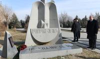 Вазгену Саргсяну сегодня исполнился бы 61 год - Президент Саркисян в пантеоне «Ераблур» воздал дань его памяти