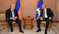 Президент Армен Саркисян имел телефонный разговор с Президентом Арцаха Бако Саакяном