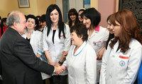 Поздравительное послание Президента Республики Армена Саркисяна по случаю Праздника материнства и красоты