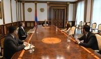 Президент Саркисян принял руководителя фракции Национального Собрания «Мой шаг» Лилит Макунц и члена фракции Рубена Рубиняна