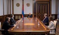 Президент Армен Саркисян принял депутатов фракции НС «Процветающая Армения» Микаела Мелкумяна и Шаке Исаян