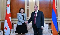 Уверен, что совместными усилиями мы сможем преодолеть и это испытание – Президент Армен Саркисян направил поздравительное послание Саломе Зурабишвили