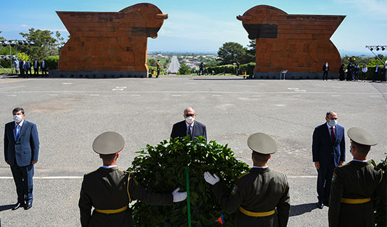President Armen Sarkissian at the Sardarapat Memorial paid tribute to the memory of the victims the heroic battle