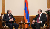 President Armen Sarkissian congratulated Nikol Pashinian on the occasion of his birth anniversary