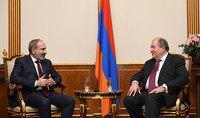 Президент Армен Саркисян поздравил Премьер-министра Никола Пашиняна с днём рождения