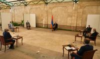 Рынок труда и благополучие каждого гражданина очень важны. Президент Армен Саркисян встретился с группой предпринимателей