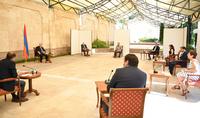 Ձեր ոլորտը մեր երկրի ապագան է, մասնակի՛ց եղեք ոլորտի զարգացման միջավայրի ստեղծմանը. նախագահ Արմեն Սարգսյանը հանդիպել է ՏՏ ոլորտի մի խումբ ընկերությունների ղեկավարների հետ