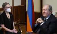 Նախագահ Արմեն Սարգսյանը հանդիպել է Հայաստանի ամերիկյան համալսարանի նախագահ Կարին Մարկիդեսի հետ