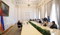 Սա սարսափելի ցավ է. մենք կորցնում ենք երիտասարդ, պայծառ, հայրենասեր երիտասարդների, ովքեր կռվում են հանուն հայրենիքի. նախագահ Արմեն Սարգսյանը հանդիպել է եվրոպացի լրագրողների հետ