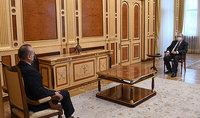 Президент Армен Саркисян провёл прощальную встречу с послом Италии в Армении Винченцо Дель Монако