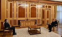 Նախագահ Արմեն Սարգսյանը հանդիպել է «Հանուն Հանրապետության» կուսակցության ղեկավար մարմնի ներկայացուցիչ Արման Բաբաջանյանի հետ