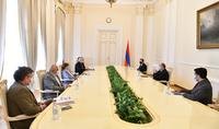 Президент Армен Саркисян принял баронессу Керолайн Кокс