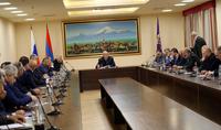 Каждый армянин должен думать об Армении как о своём доме. Президент Армен Саркисян встретился с группой представителей российской армянской общины
