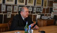 Ինձ համար կարևոր է, որ երկիրը գոնե մի քիչ դնենք ճիշտ ճանապարհի վրա․ նախագահ Արմեն Սարգսյանը Գյումրիում հանդիպել է հասարակայնության ներկայացուցիչների հետ