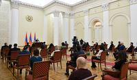 «Чёрный – не наш цвет, белый тоже – не наш цвет, наш – триколор», - Президент Армен Саркисян встретился с представителями молодёжных структур