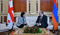 Նախագահ Արմեն Սարգսյանին Ամանորի և Սուրբ Ծննդի տոների առթիվ շնորհավորել են  Վրաստանի նախագահ Սալոմե Զուրաբիշվիլին  և վարչապետ Գիորգի Գախարիան