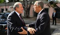 Президент Армен Саркисян поздравил Марселу Ребелу де Соуза с переизбранием на пост Президента Португалии
