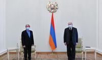 President Armen Sarkissian hosted former French Foreign Minister Bernard Kouchner