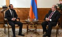 Le Président Armen Sarkissian a rencontré le président de l'Assemblée nationale Ararat Mirzoyan