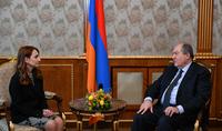 """Le Président Armen Sarkissian a rencontré les chefs des partis de l'Assemblée nationale """"Mon Pas"""" et """"Arménie Lumineuse"""", ainsi que le secrétaire du parti """"Arménie Prospère"""""""