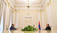 """Le Président Armen Sarkissian a rencontré le chef du parti """"Arménie lumineuse"""" de l'Assemblée Nationale, Edmon Marukyan"""