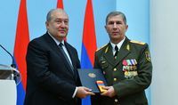 President Armen Sarkissian met with the Chief of the General Staff of the RA Armed Forces, Colonel-General Onik Gasparyan