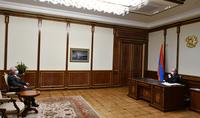 """Le Président de la République Armen Sarkissian a rencontré Aram Sarkissian, Président du Parti Démocratique d'Arménie, représentant de l'initiative civile """"Troisième pouvoir"""""""