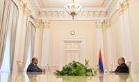 """Le Président Armen Sarkissian a rencontré le chef de la faction """"Arménie lumineuse"""" Edmon Marukyan"""