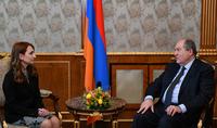 """Le Président de la République Armen Sarkissian a rencontré le chef du parti """"Mon pas"""" Lilit Makunts"""