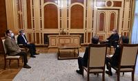 Նախագահ Արմեն Սարգսյանը հանդիպել է «Հանրապետություն» կուսակցության նախագահ Արամ Սարգսյանի և քաղաքական խորհրդի անդամ Արտակ Զեյնալյանի հետ