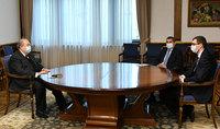 Президент Армен Саркисян принял Министра труда и социальных вопросов