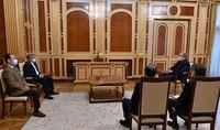 Президент Армен Саркисян встретился с Председателем партии «Республика» Арамом Саргсяном и членом Политсовета партии Артаком Зейналяном