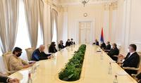 Lors de la rencontre avec la présidente en charge de l'OSCE, le Président Armen Sarkissian a soulevé la question du retour des prisonniers de guerre et des civils arméniens