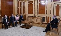 Le Président Armen Sarkissian a rencontré un groupe de députés extraparlementaires
