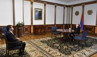 """Le Président de la République Armen Sarkissian a rencontré Arman Babajanyan, représentant de la direction du parti """"Pour la République"""""""