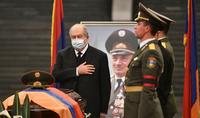 Le président Armen Sarkissian a assisté aux funérailles du héros de l'Artsakh, le Général-major Arkady Ter-Tadevosyan